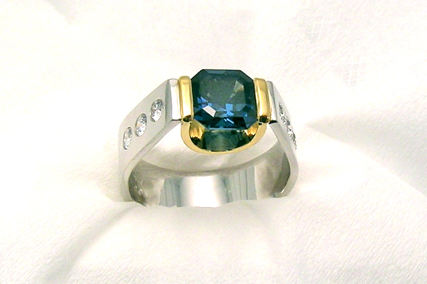 award-winning ring, color-change blue-to-green spinel in